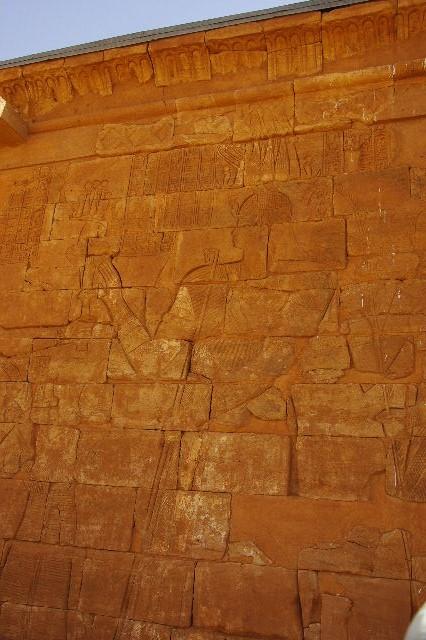 【スーダン周遊】 ムサワラット遺跡 (5) ライオン神殿_c0011649_427694.jpg