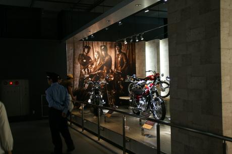 カワサキワールドには素晴らしいバイクがいっぱい(3/9)_d0181492_16312389.jpg