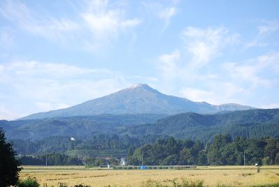 初冠雪の鳥海山_b0084826_8121126.jpg