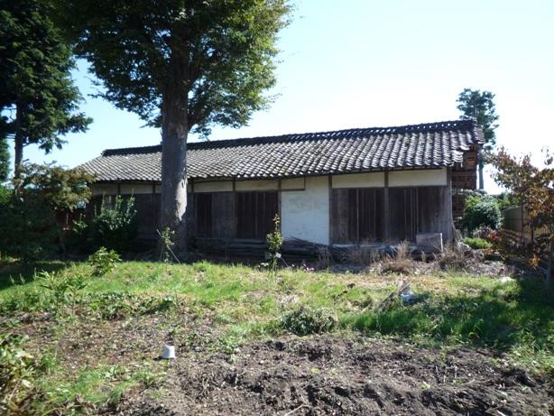 庭木手入れと砂利敷き_c0112447_23285555.jpg
