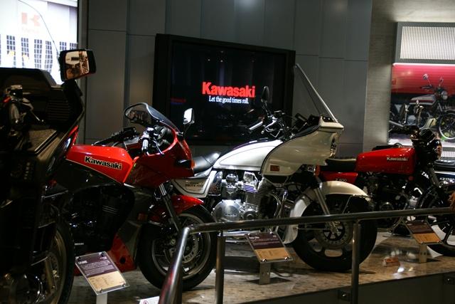 カワサキワールドには素晴らしいバイクがいっぱい(5/9)_d0181492_6264938.jpg