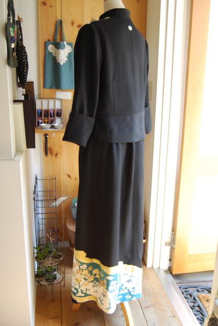 着物リメイク・留袖ジャケット&ロングスカート_d0127925_1825972.jpg