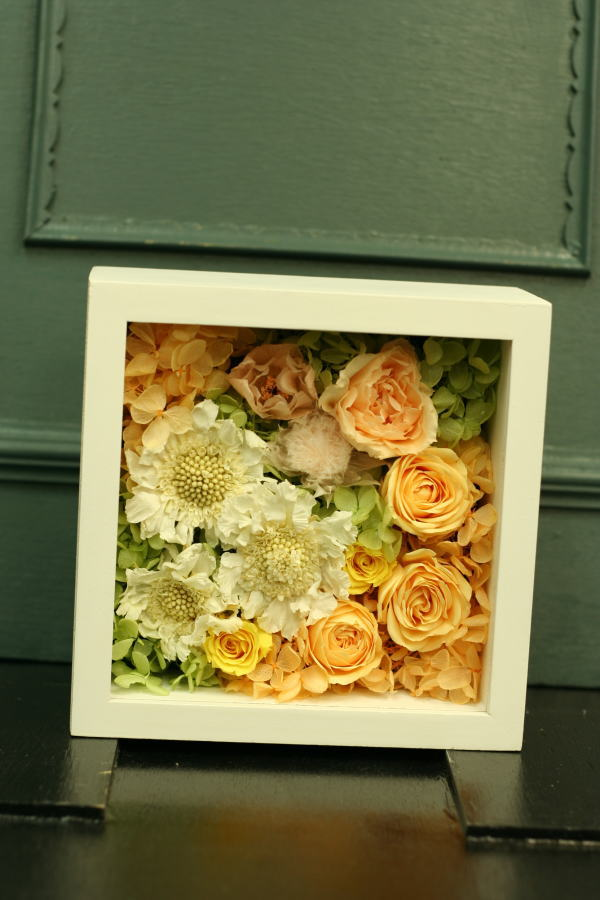8月定期レッスン プリザーブドの花冠とフレームの花あるいはブーケ_a0042928_21544096.jpg