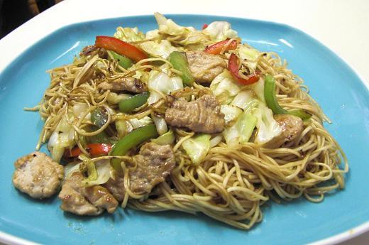ベトナムスーパーの乾麺で...Ciao Mein!_c0119140_4334827.jpg