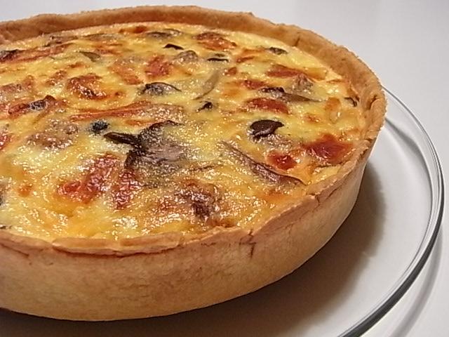 3種のキノコとゴルゴンゾーラチーズのキッシュ_b0145846_21223948.jpg
