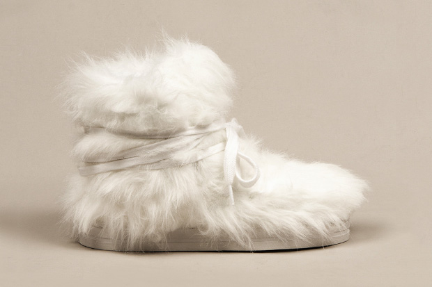 Terence Koh x Opening Ceremony x Forfex Furry Moon Boot_a0118453_0121512.jpg