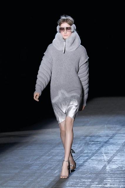 Alexander Wang Extended Schoulder Satin Needle Punch Dress_f0111683_1482463.jpg