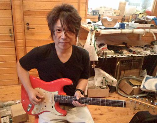 1961年生まれの「佐橋佳幸さん」と「Fender Strat」。_e0053731_15432122.jpg