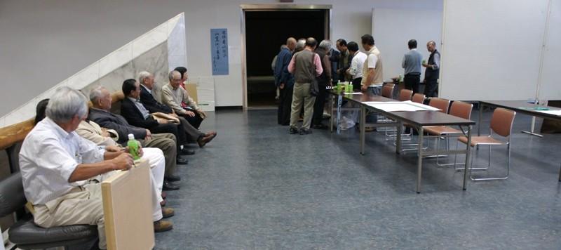 11年10月1日・茨城県芸術祭美術展覧会準備初日作品搬入_c0129671_1814580.jpg