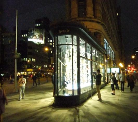 NYのフラットアイアン・ビル1階に新しいパブリック・アート展示スペース_b0007805_150611.jpg