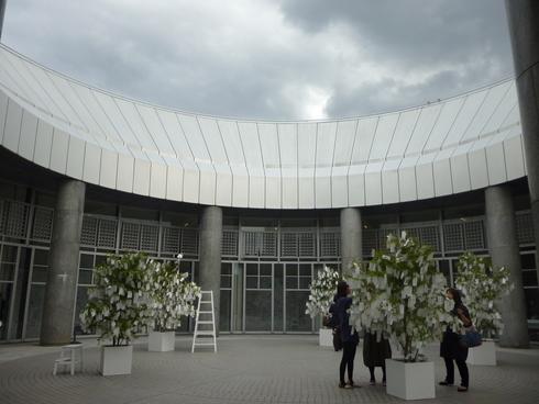 広島市現代美術館特別展 第8回ヒロシマ賞受賞記念 オノ・ヨーコ展 希望の路 YOKO ONO 2011♡*† *・。・。+_a0053662_22182486.jpg