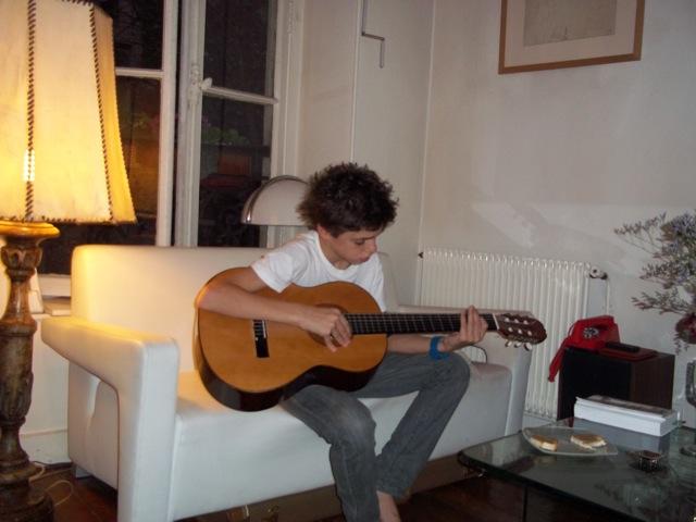 初めてのギター教室_b0039107_2032194.jpg