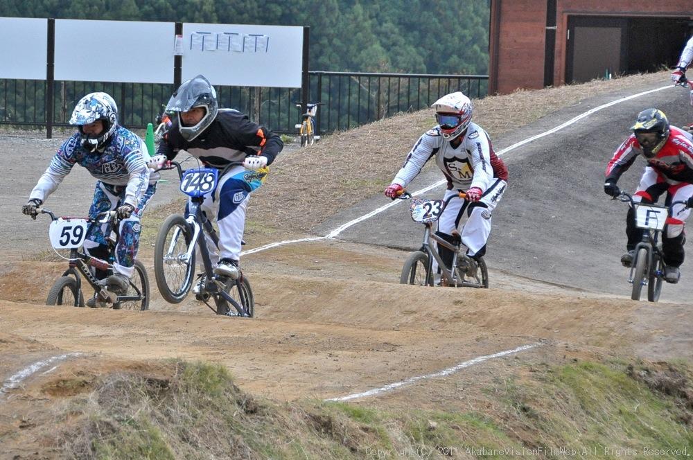 JOSF秩父ラウンドin秩父滝沢サイクルパークVOL13:BMX30オーバー決勝  動画追加_b0065730_1724143.jpg