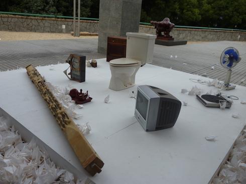 広島市現代美術館特別展 第8回ヒロシマ賞受賞記念 オノ・ヨーコ展 希望の路 YOKO ONO 2011♡*† *・。・。+_a0053662_0295998.jpg