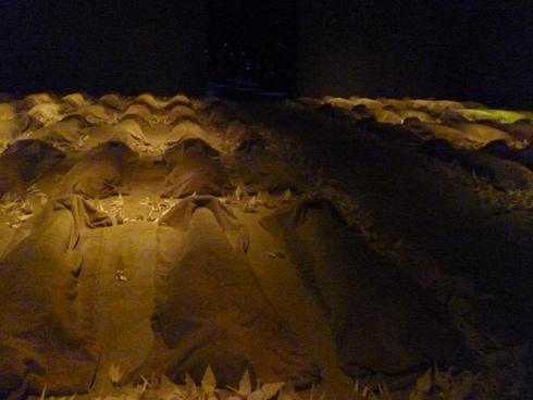 広島市現代美術館特別展 第8回ヒロシマ賞受賞記念 オノ・ヨーコ展 希望の路 YOKO ONO 2011♡*† *・。・。+_a0053662_0515983.jpg
