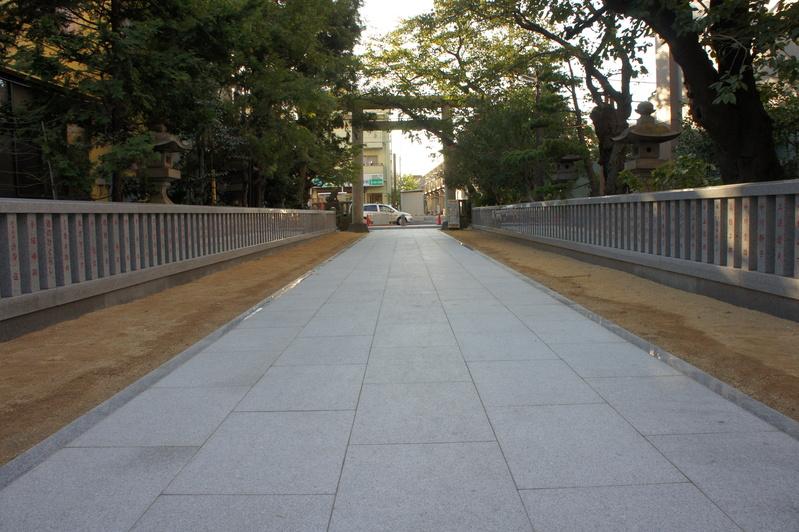松戸神社 参道改修工事  2011.9.27_e0223769_1835041.jpg