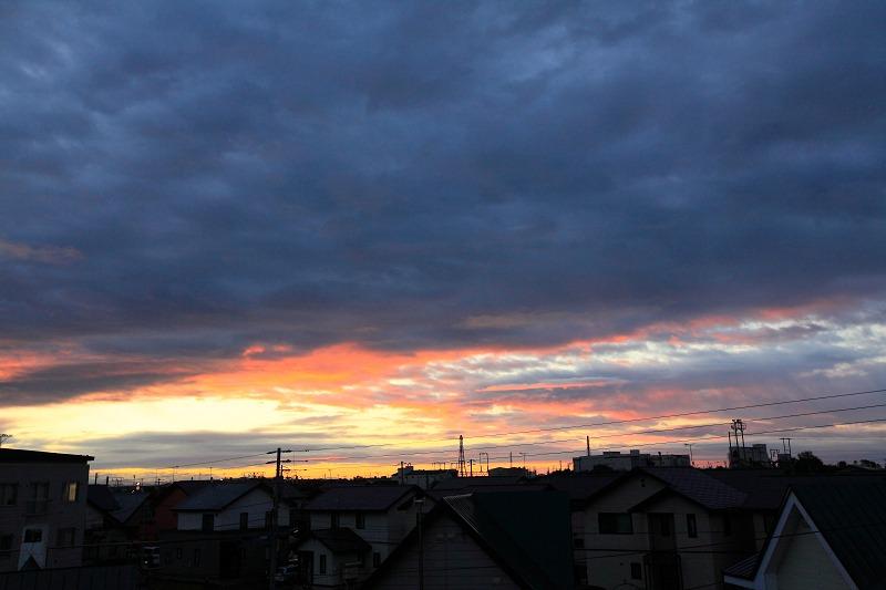 朝焼け 日の出の位置が東に 遅く上ってくる_a0160581_7364746.jpg