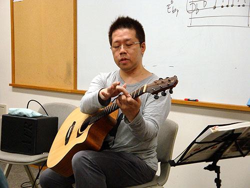 南澤大介先生のソロ・ギター教室、千葉で開催!!_c0137404_23594443.jpg
