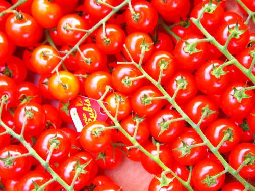 イギリスと韓国のトマトの売り方_b0201492_1748523.jpg