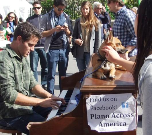 ピアノ持参でワンちゃんと全米を旅するニューヨーカー Piano Across America_b0007805_1371857.jpg