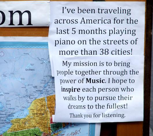 ピアノ持参でワンちゃんと全米を旅するニューヨーカー Piano Across America_b0007805_1375665.jpg