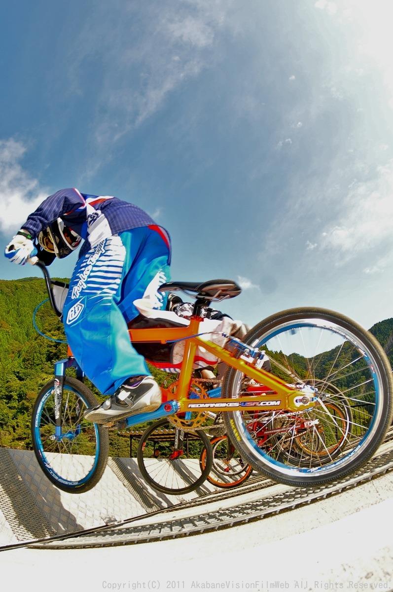BMX RACING START MANIA2011 :JOSF秩父ラウンドin秩父滝沢サイクルパーク_b0065730_23142644.jpg