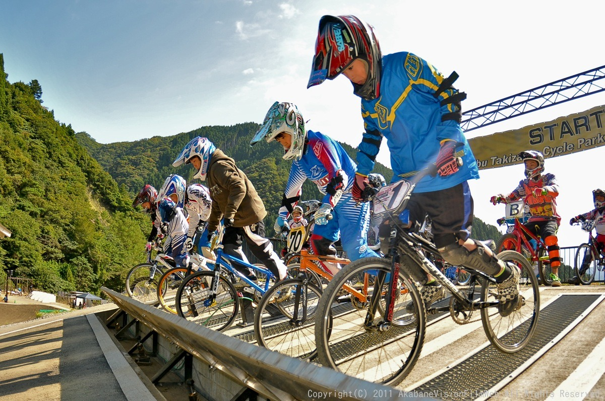 BMX RACING START MANIA2011 :JOSF秩父ラウンドin秩父滝沢サイクルパーク_b0065730_23143964.jpg