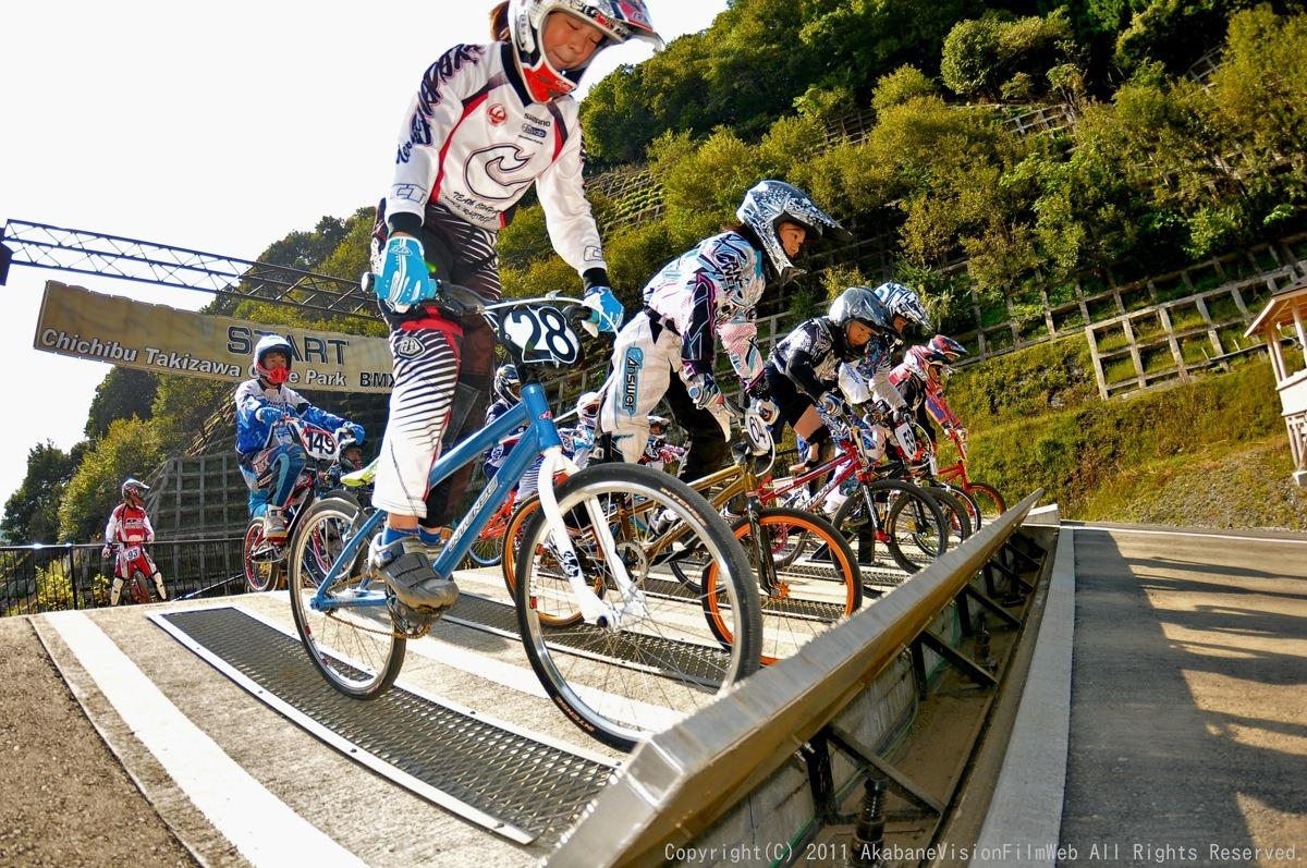 BMX RACING START MANIA2011 :JOSF秩父ラウンドin秩父滝沢サイクルパーク_b0065730_23145088.jpg
