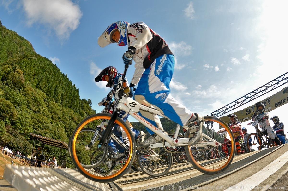 BMX RACING START MANIA2011 :JOSF秩父ラウンドin秩父滝沢サイクルパーク_b0065730_23151449.jpg