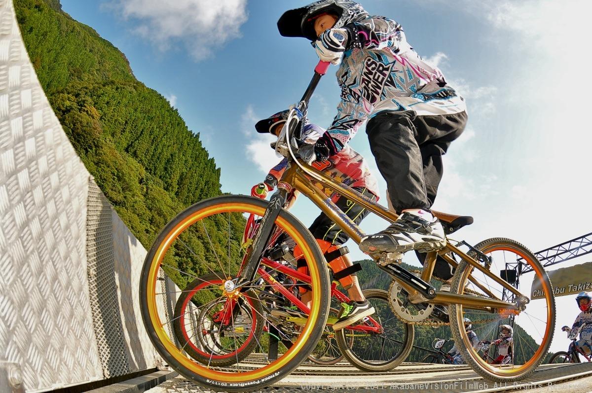 BMX RACING START MANIA2011 :JOSF秩父ラウンドin秩父滝沢サイクルパーク_b0065730_23152622.jpg