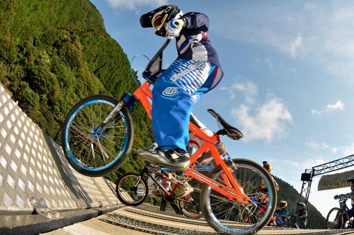 BMX RACING START MANIA2011 :JOSF秩父ラウンドin秩父滝沢サイクルパーク_b0065730_23154083.jpg