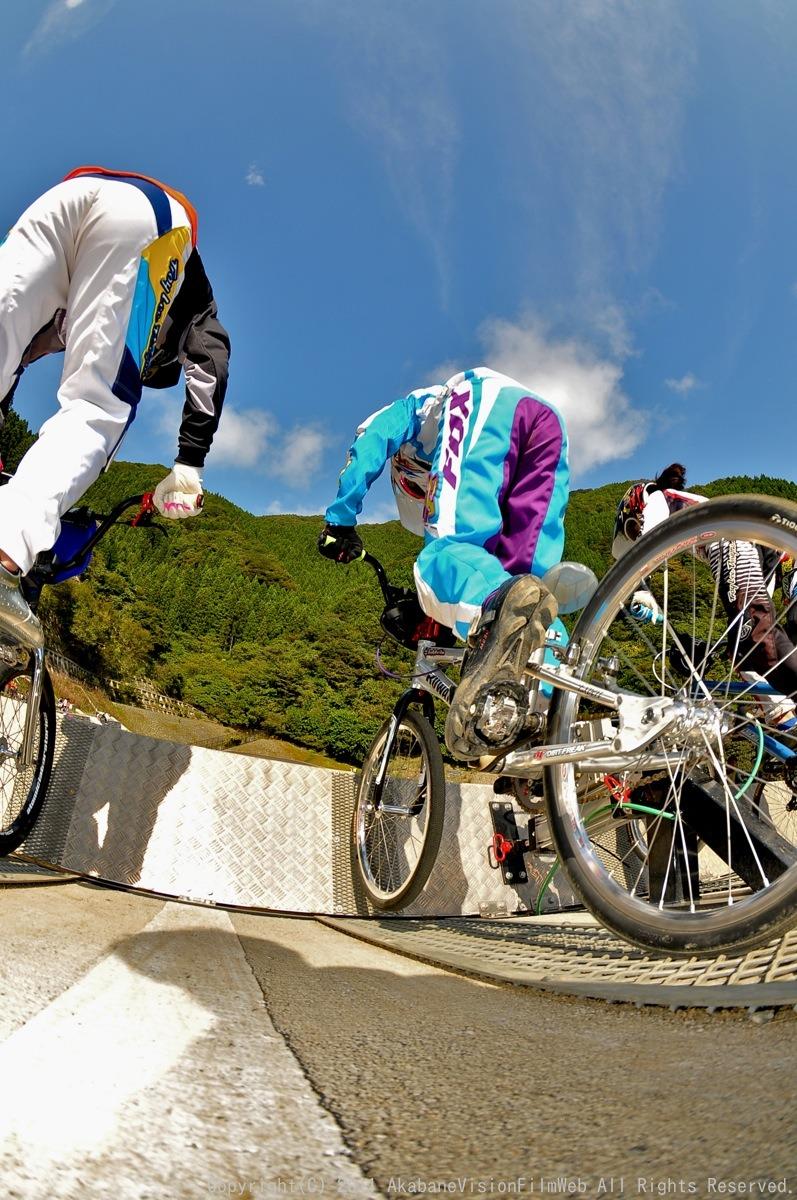 BMX RACING START MANIA2011 :JOSF秩父ラウンドin秩父滝沢サイクルパーク_b0065730_23155240.jpg