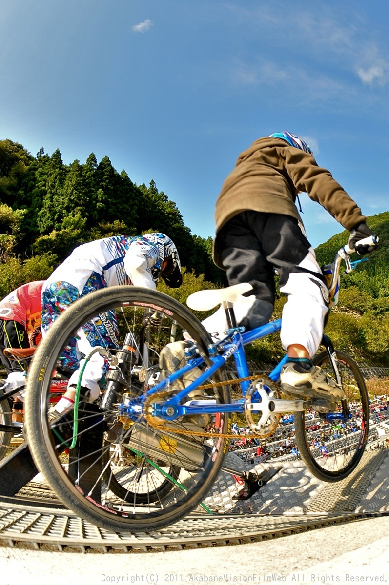 BMX RACING START MANIA2011 :JOSF秩父ラウンドin秩父滝沢サイクルパーク_b0065730_23162212.jpg