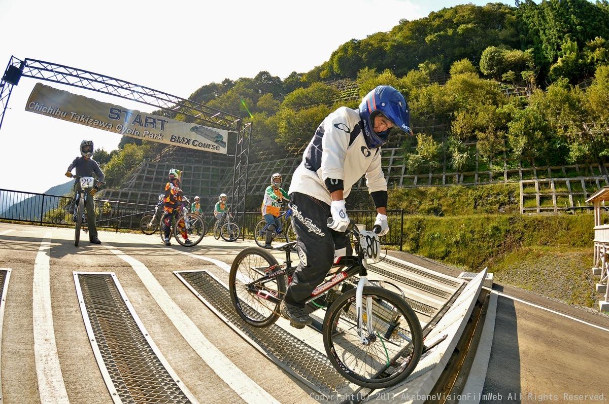 BMX RACING START MANIA2011 :JOSF秩父ラウンドin秩父滝沢サイクルパーク_b0065730_23163686.jpg