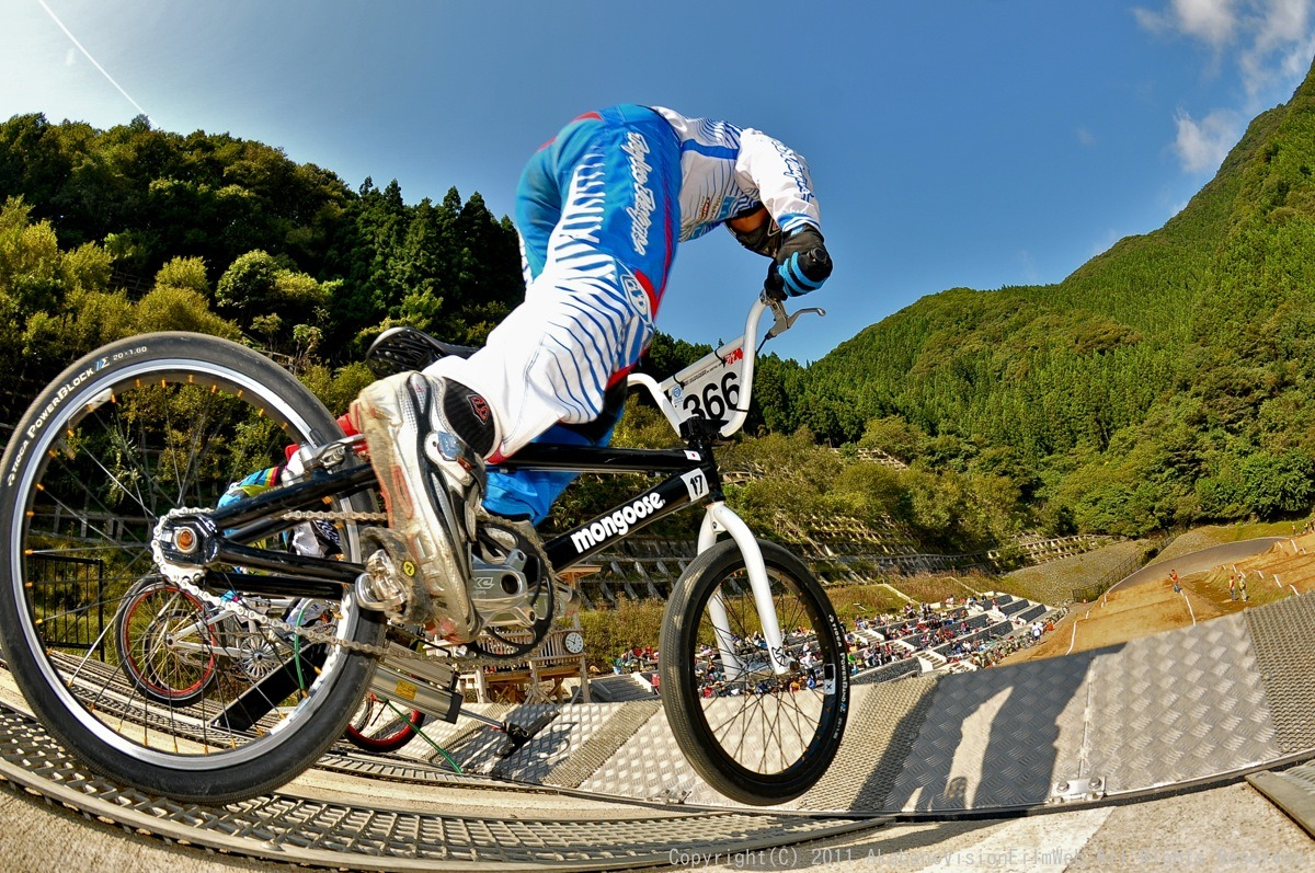 BMX RACING START MANIA2011 :JOSF秩父ラウンドin秩父滝沢サイクルパーク_b0065730_23165894.jpg