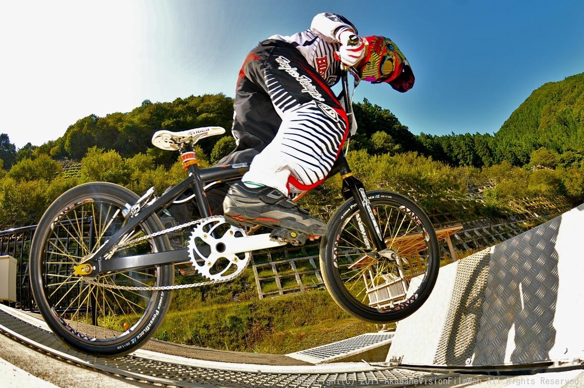 BMX RACING START MANIA2011 :JOSF秩父ラウンドin秩父滝沢サイクルパーク_b0065730_23173364.jpg