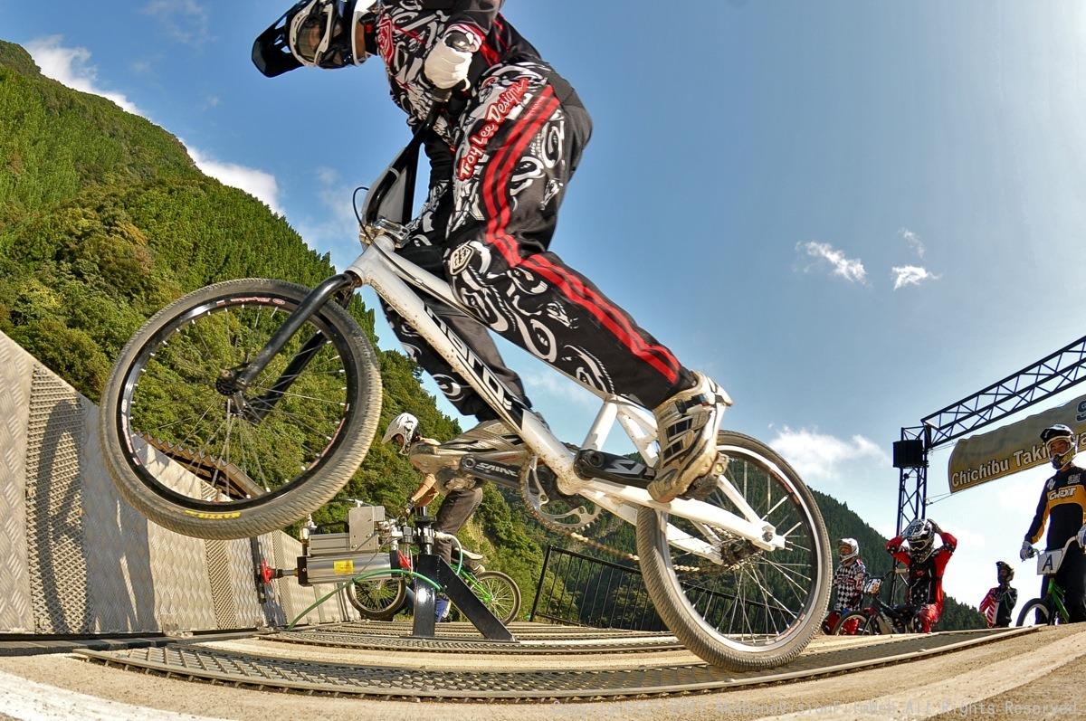 BMX RACING START MANIA2011 :JOSF秩父ラウンドin秩父滝沢サイクルパーク_b0065730_23174534.jpg
