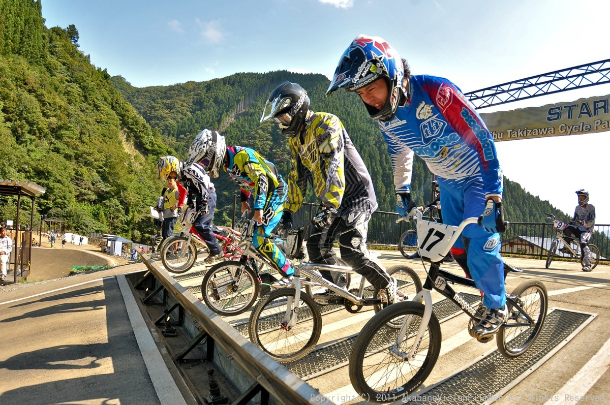 BMX RACING START MANIA2011 :JOSF秩父ラウンドin秩父滝沢サイクルパーク_b0065730_23181546.jpg