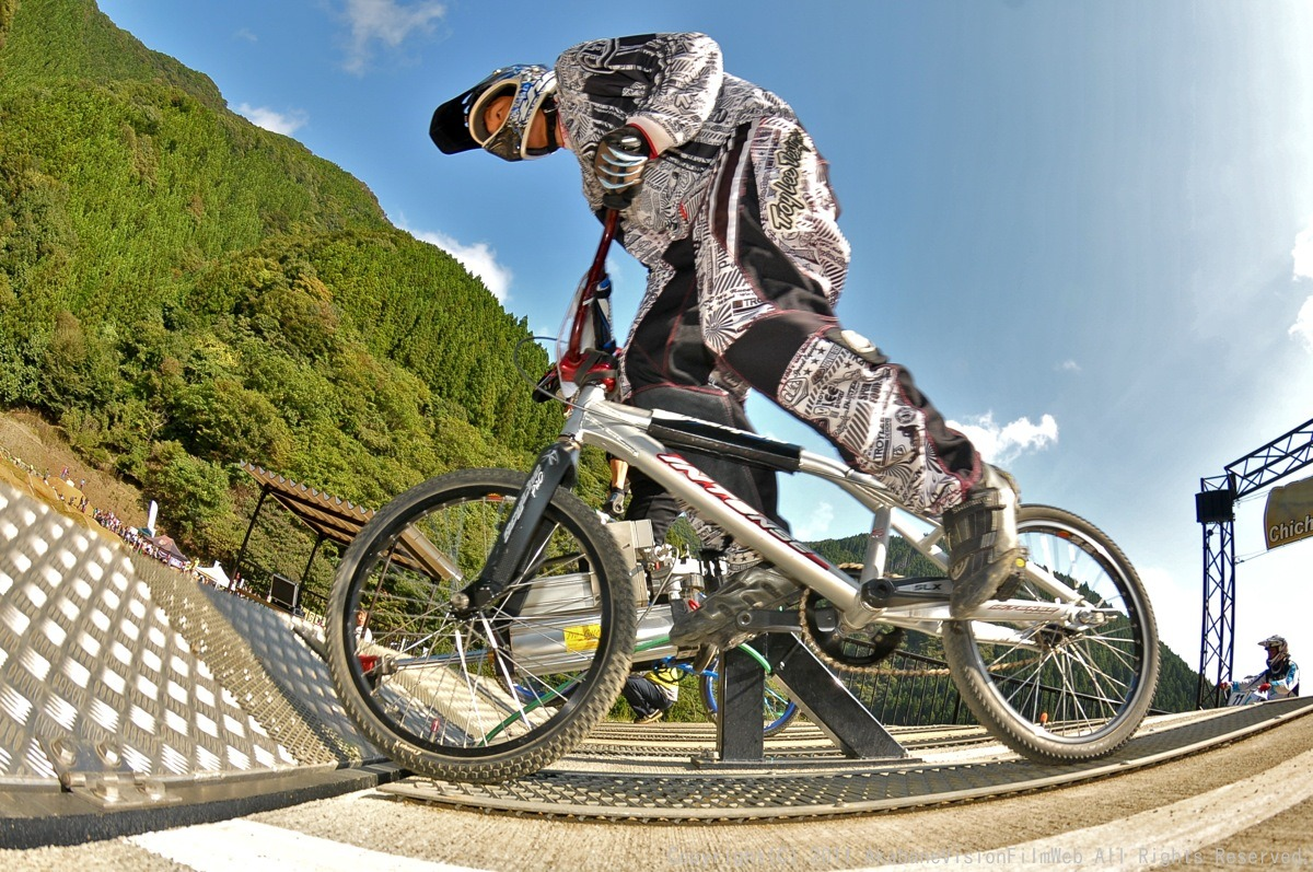 BMX RACING START MANIA2011 :JOSF秩父ラウンドin秩父滝沢サイクルパーク_b0065730_23182661.jpg
