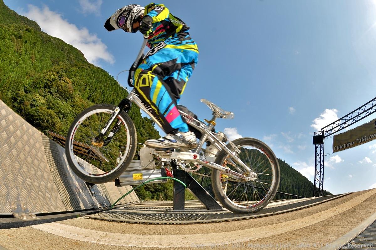 BMX RACING START MANIA2011 :JOSF秩父ラウンドin秩父滝沢サイクルパーク_b0065730_2319619.jpg