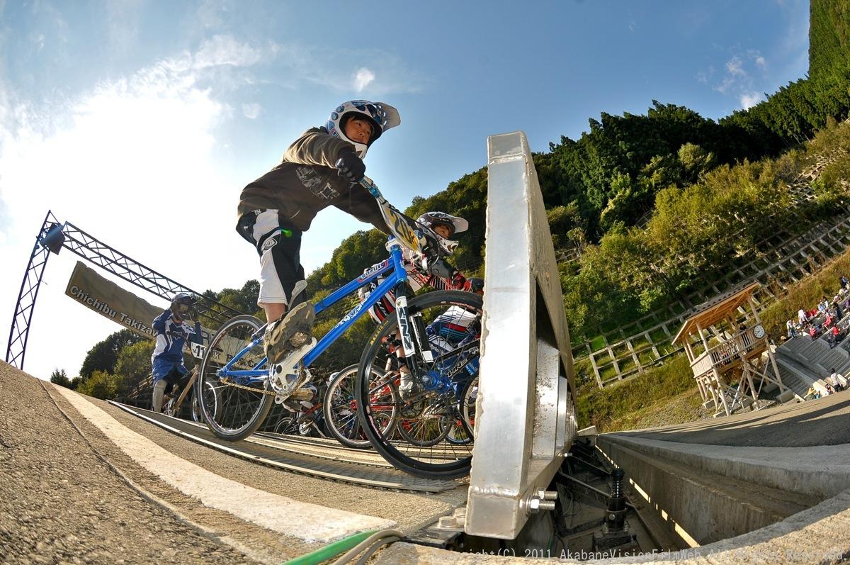 BMX RACING START MANIA2011 :JOSF秩父ラウンドin秩父滝沢サイクルパーク_b0065730_23203017.jpg