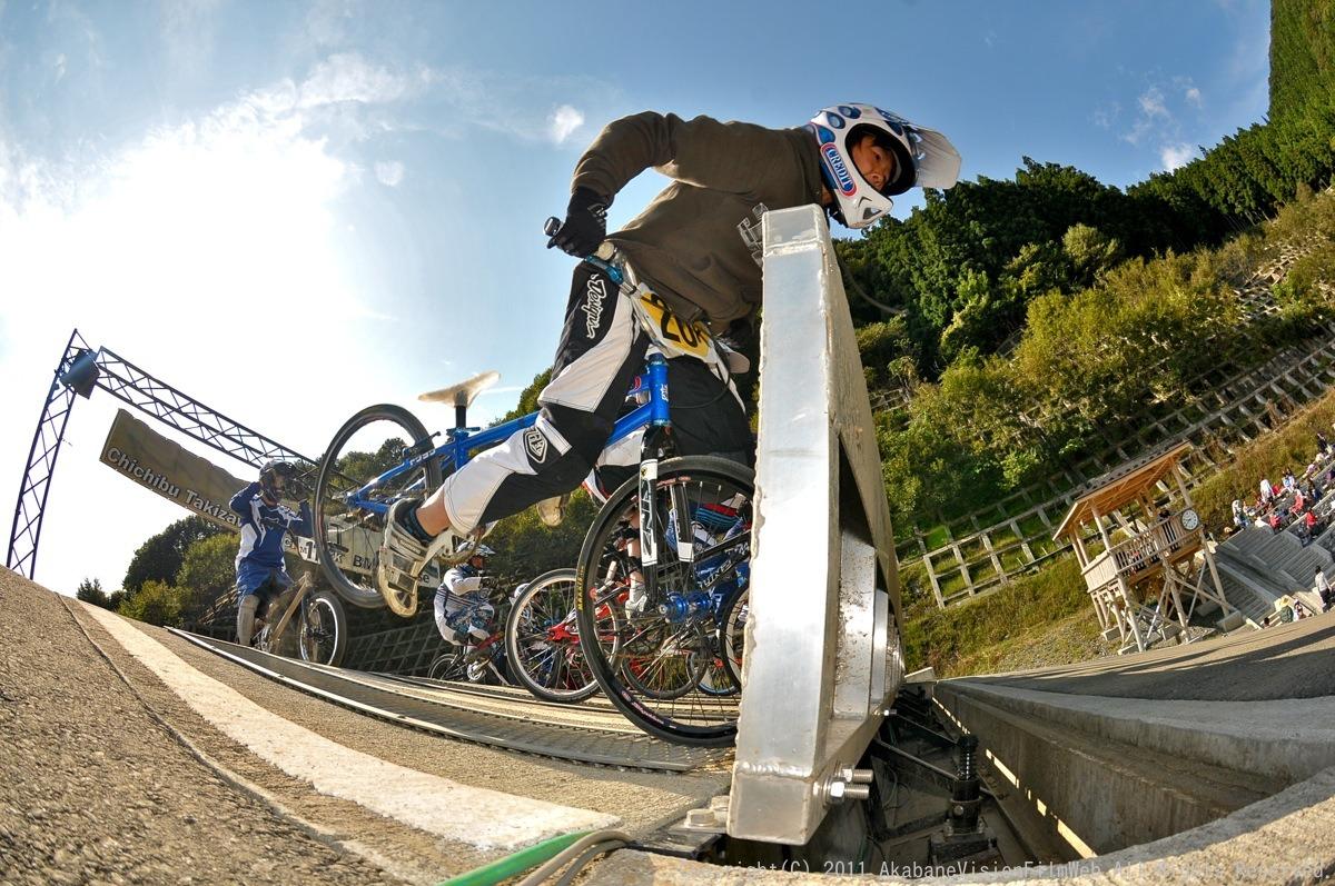 BMX RACING START MANIA2011 :JOSF秩父ラウンドin秩父滝沢サイクルパーク_b0065730_23211518.jpg