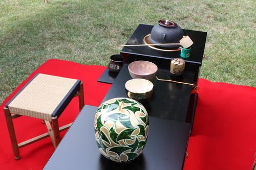 理平焼のお茶碗でお抹茶を・・・_a0155290_1538727.jpg