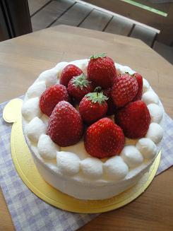 ホールのケーキ_e0170128_19293547.jpg