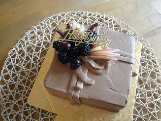 ホールのケーキ_e0170128_19301479.jpg