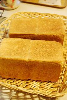 マクロビパン・コース:カレー風味野菜パン、かぼちゃマフィン_a0175348_7244084.jpg