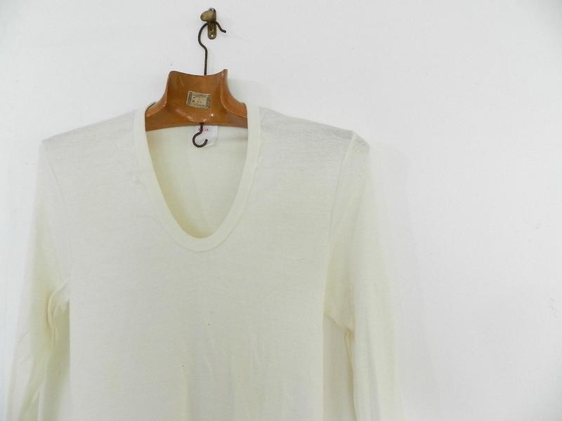 DDR u-neck long sleeve t-shirts dead stock_f0226051_1344652.jpg