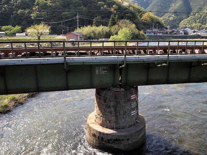因美線智頭~河原間の橋梁2_f0116479_2245363.jpg