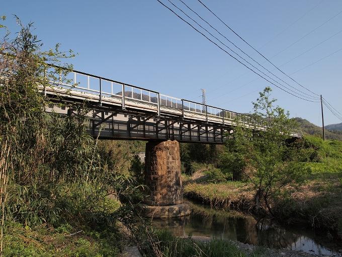 因美線智頭~河原間の橋梁2_f0116479_2247394.jpg