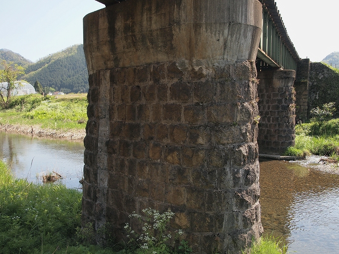 因美線智頭~河原間の橋梁2_f0116479_233731.jpg